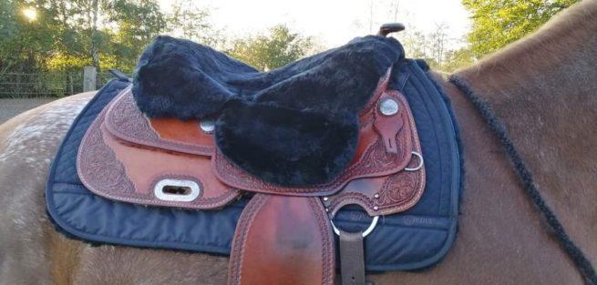 EDIX Merino sheepskin seat saver, for Western saddle